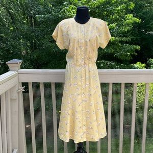 Vintage 90s does 40s Pleated Floral Day Dress